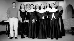 toneelgroep metamorfose in een toneelstuk over nonnen